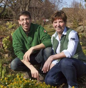 Von Mutter zu Sohn! Philipp & Brigitte Parbus pflegen die Tradition und entwickeln mit ihrem Bauerngarten neue Trends.